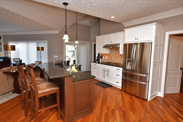 Single Family Residence, Traditional - Clearcreek Twp., OH (photo 4)