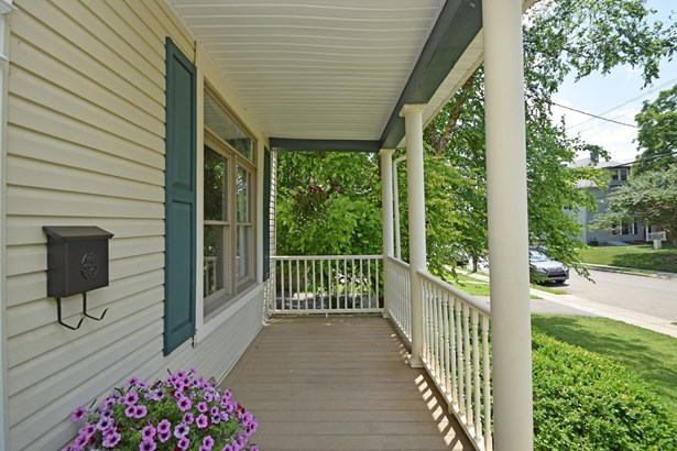 Transitional, Single Family Residence - Norwood, OH (photo 2)