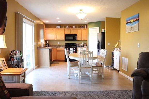 Single Family Residence, Traditional - Goshen Twp, OH (photo 2)