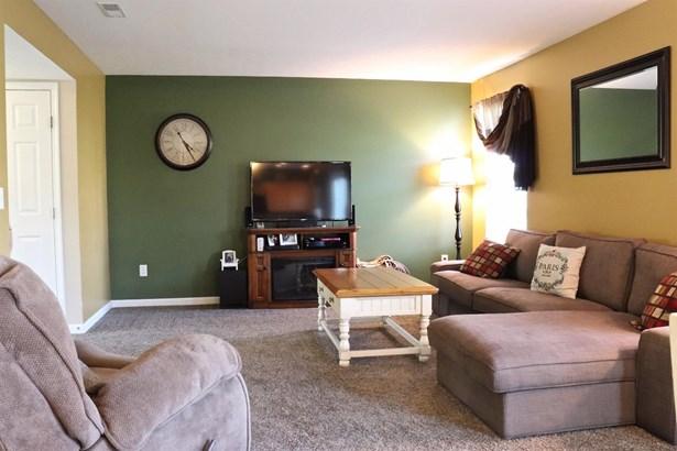 Single Family Residence, Traditional - Goshen Twp, OH (photo 5)