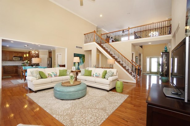 Transitional, Single Family Residence - Liberty Twp, OH (photo 5)