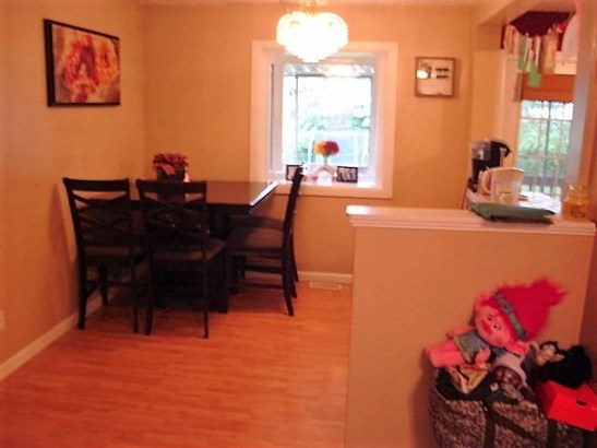Transitional, Single Family Residence - Harrison, OH (photo 4)