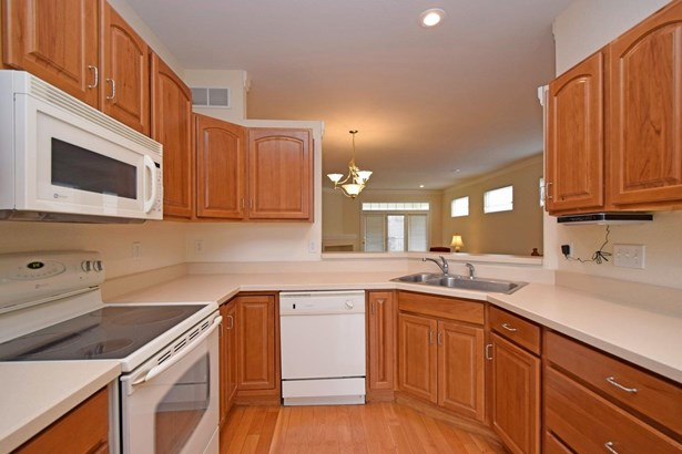 Transitional, Single Family Residence - Pierce Twp, OH (photo 4)