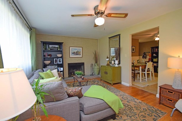 Single Family Residence, Ranch - Loveland, OH (photo 4)