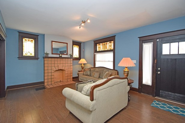 Single Family Residence, Traditional - Cheviot, OH (photo 3)