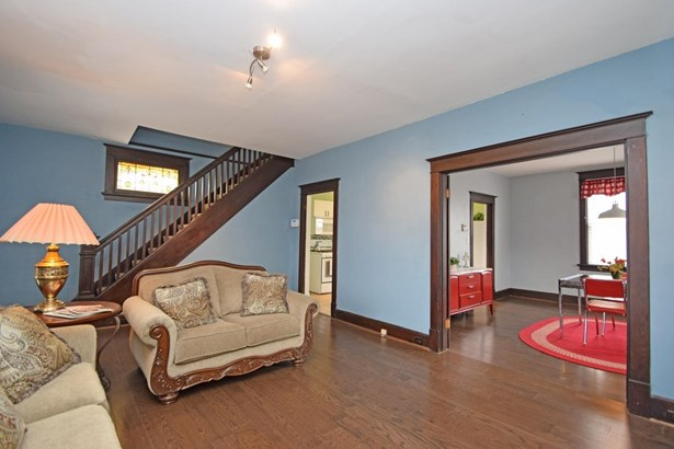 Single Family Residence, Traditional - Cheviot, OH (photo 4)