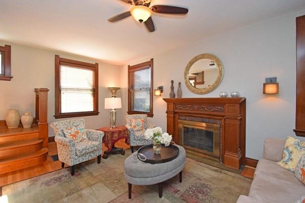 Single Family Residence, Craftsman/Bungalow - Cincinnati, OH (photo 5)