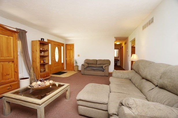 Single Family Residence, Traditional - Gratis Twp, OH (photo 4)