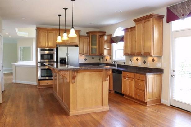 Single Family Residence, Traditional - Loveland, OH (photo 2)