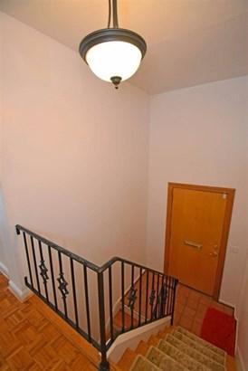 Transitional, Condominium - Cincinnati, OH (photo 3)