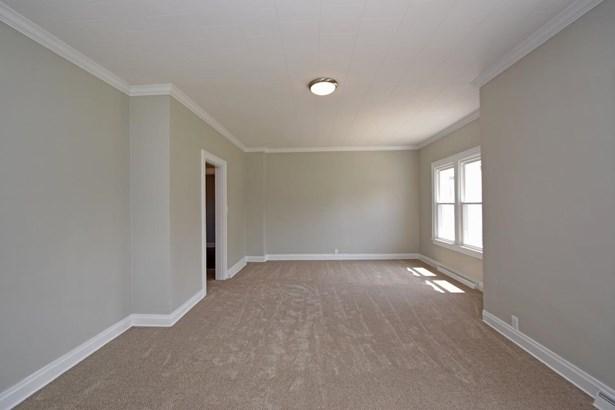 Single Family Residence, Traditional - Bethel, OH (photo 4)