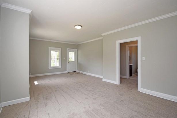 Single Family Residence, Traditional - Bethel, OH (photo 5)