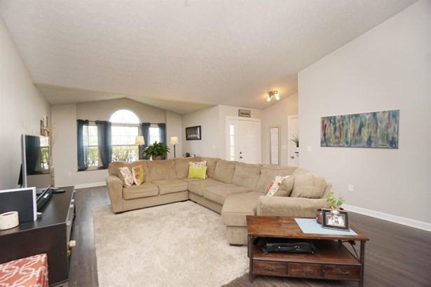 Ranch,Contemporary, Single Family Residence - Miami Twp, OH (photo 3)
