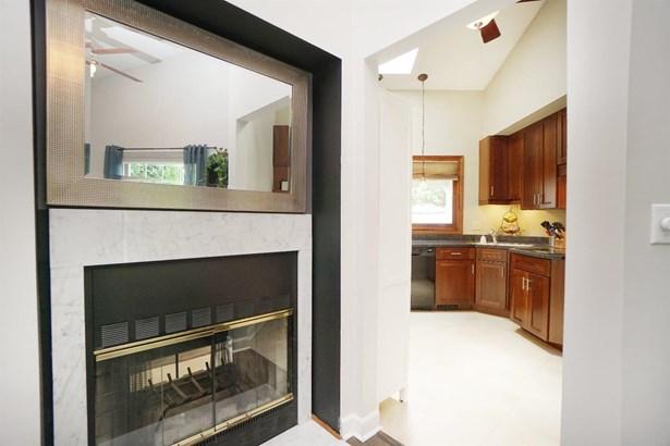 Ranch,Contemporary, Single Family Residence - Miami Twp, OH (photo 5)