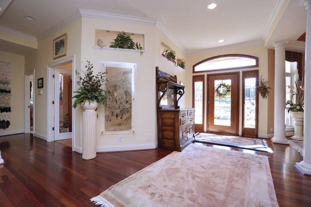 Single Family Residence, Contemporary/Modern - Pierce Twp, OH (photo 2)