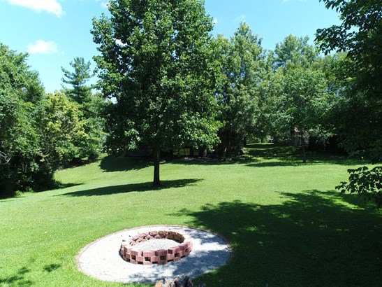 Transitional, Single Family Residence - Colerain Twp, OH (photo 4)