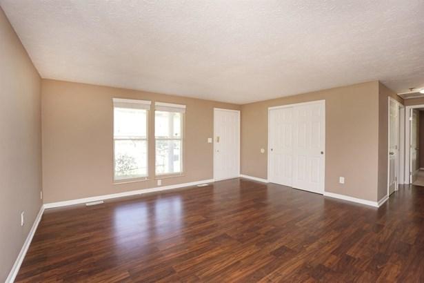 Condominium, Ranch - Loveland, OH (photo 3)