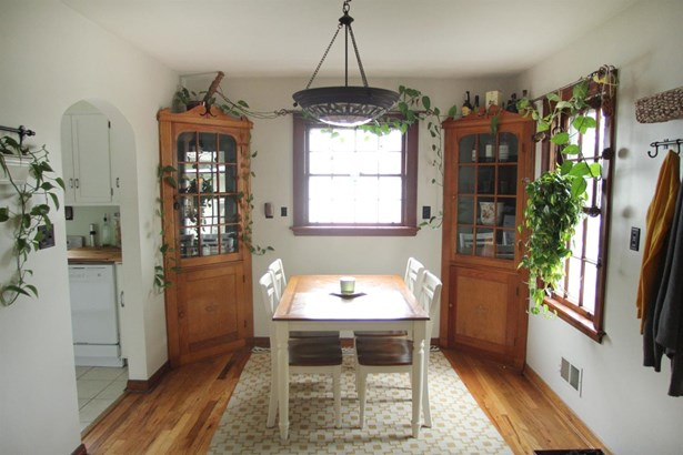 Cape Cod, Single Family Residence - Milford, OH (photo 3)