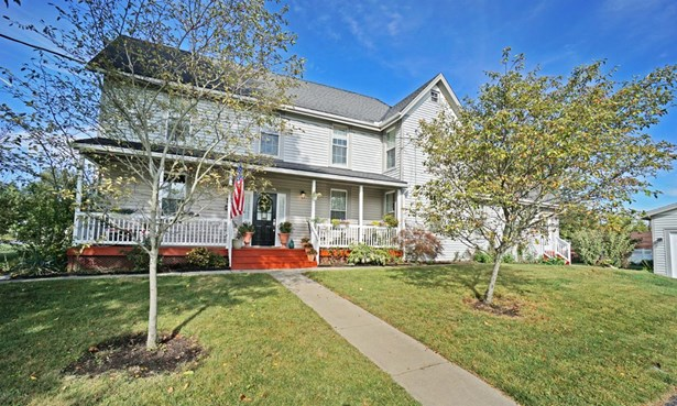 Single Family Residence, Traditional - Blue Ash, OH