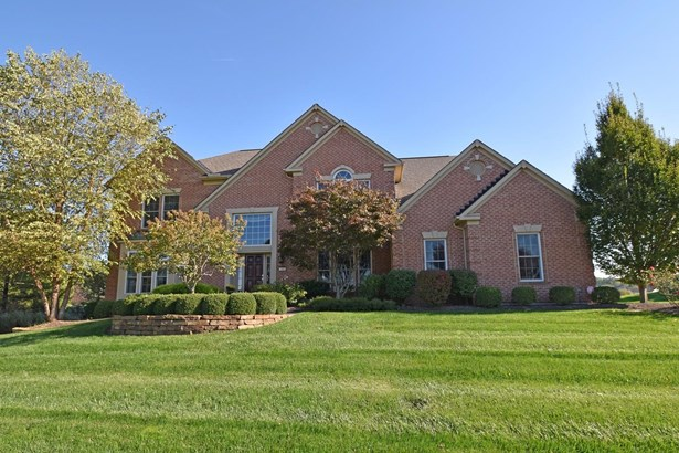 Transitional, Single Family Residence - Miami Twp, OH (photo 1)