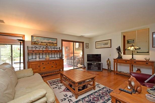 Single Family Residence, Contemporary - Pierce Twp, OH (photo 4)