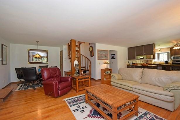 Single Family Residence, Contemporary - Pierce Twp, OH (photo 5)