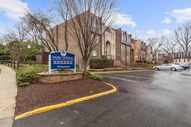 5017 7th Rd S #301, Arlington, VA - USA (photo 1)