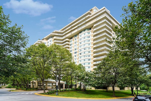 5600 Wisconsin Ave #ph-18a, Chevy Chase, MD - USA (photo 1)