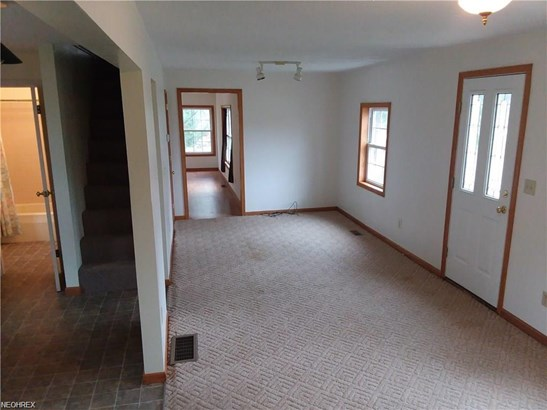 Colonial, Single Family - Hinckley, OH (photo 5)