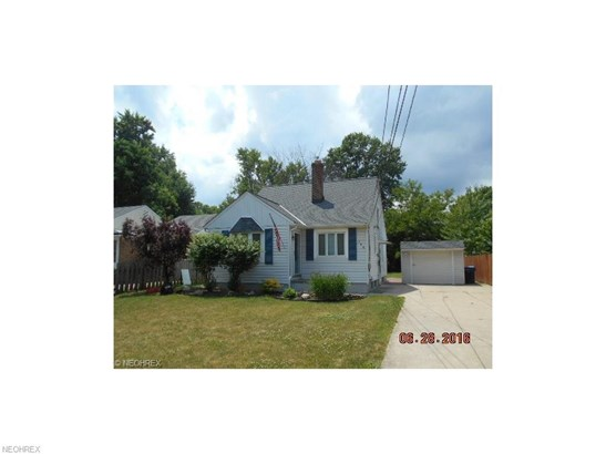 Bungalow,Cape Cod, Single Family - Berea, OH (photo 2)