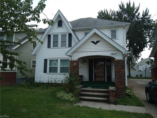 Colonial,Tudor, Single Family - Lorain, OH