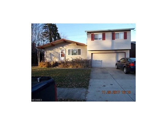 Split Level, Single Family - Berea, OH (photo 1)