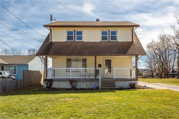 Colonial, Single Family - Painesville, OH