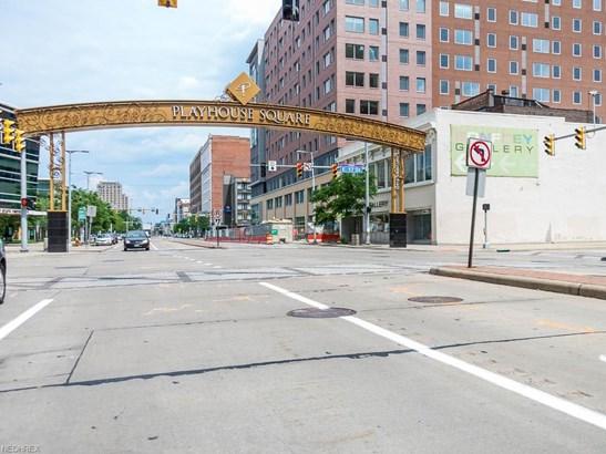 Condominium - Cleveland, OH (photo 2)