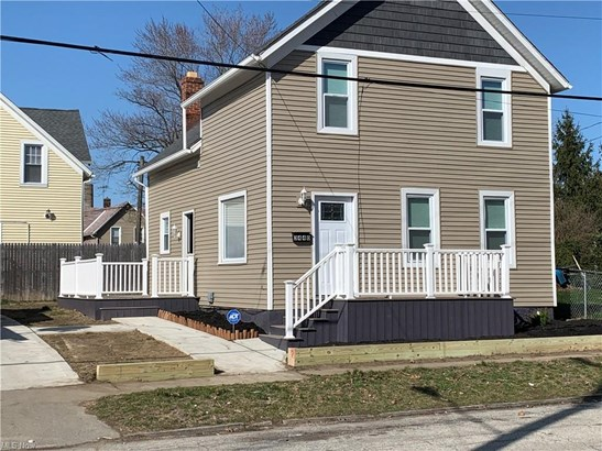 Colonial, Single Family - Cleveland, OH