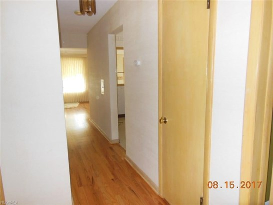 Ranch, Single Family - Garfield Heights, OH (photo 5)