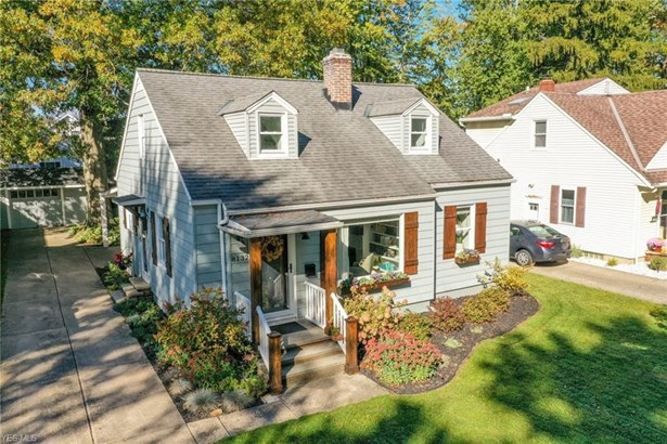 Bungalow,Cape Cod, Single Family - Olmsted Falls, OH