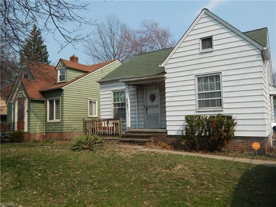 Bungalow, Single Family - Cleveland, OH (photo 2)
