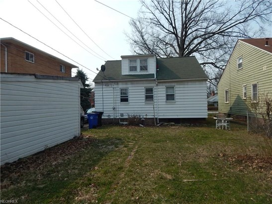 Bungalow, Single Family - Cleveland, OH (photo 4)