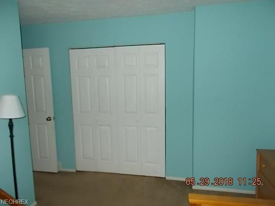 Townhouse, Condominium - Middleburg Heights, OH (photo 4)