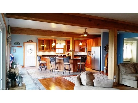 Colonial, Single Family - Lorain, OH (photo 4)