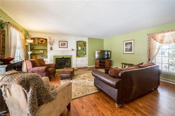 Cape Cod,Colonial, Single Family - Lorain, OH (photo 3)