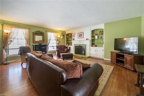 Cape Cod,Colonial, Single Family - Lorain, OH (photo 4)