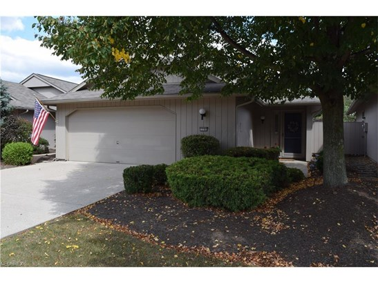 Cluster Home,Conventional,Ranch, Single Family - Strongsville, OH (photo 1)