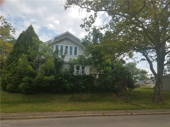 Colonial, Single Family - Mansfield, OH