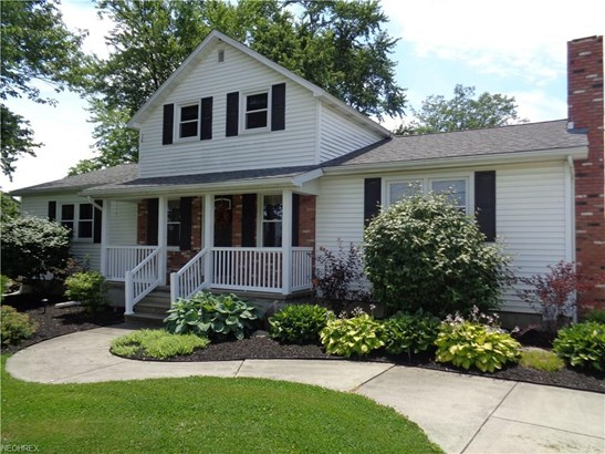 Cape Cod,Colonial, Single Family - Berlin Heights, OH (photo 1)