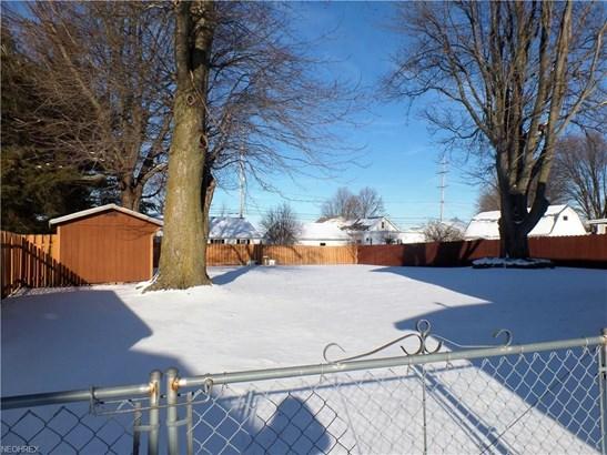Colonial, Single Family - Castalia, OH (photo 4)