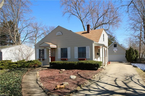 Bungalow, Single Family - Olmsted Falls, OH (photo 1)