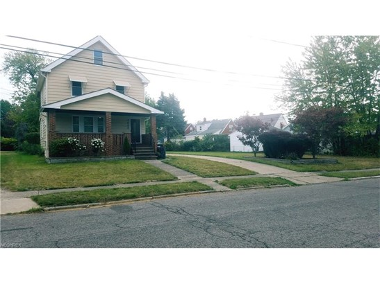 Colonial, Single Family - Garfield Heights, OH (photo 2)