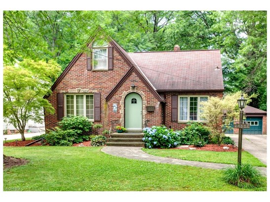 Bungalow,Cape Cod, Single Family - North Olmsted, OH (photo 1)
